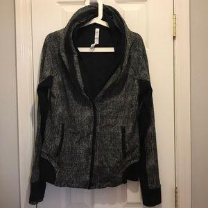 Lululemon sweatshirt top size 10